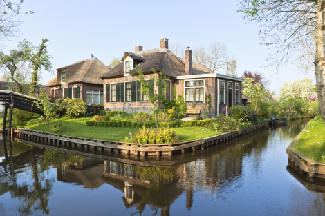 Giethoorn Netherlands Canal City